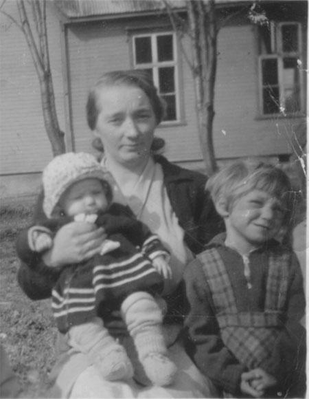 Johanna med Marit og Anna